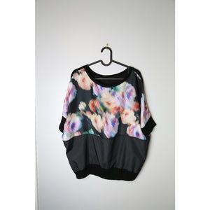 Zara W&B Size L Black Watercolor Floral Print Top